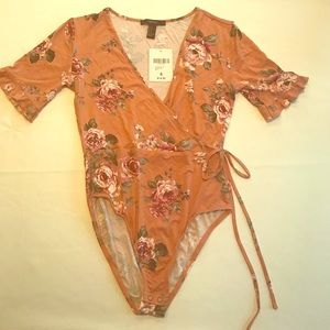 Super cute floral Forever 21 leotard - NWT Small